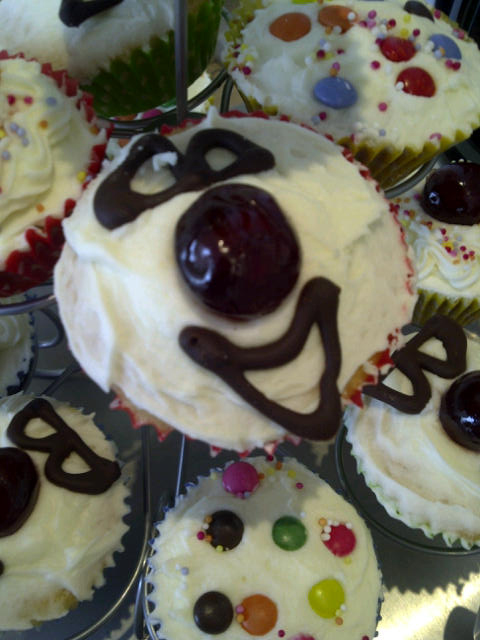 comic-relief-cake